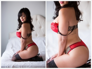 Pin-up style boudoir photography